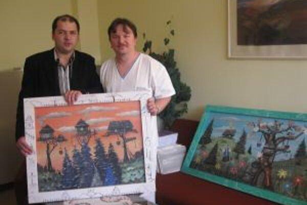 Milan Pavlík venoval pre dvomi rokmi osem obrazov čadčianskej onkológii.