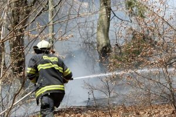 V čase zvýšeného nebezpečenstva vzniku požiaru je každý povinný dodržiavať zásady protipožiarnej bezpečnosti.