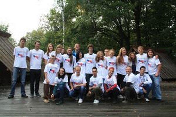 Na mládežníckej výmene nazvanej Československo – 20 rokov po, ktorá  sa konala v Makove, sa zúčastnili prevažne stredoškoláci a vysokoškoláci, z ktorých väčšina sa už narodila za samostatnej SR alebo ČR.