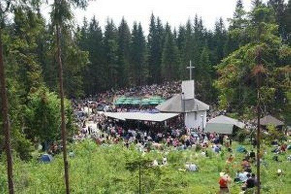 Na Živčákovej sa v nedeľu 20. októbra o 12. hodine uskutoční slávnostná sv. omša v kaplnke na Hore Živčáková pri príležitosti tradičnej jesennej púte.
