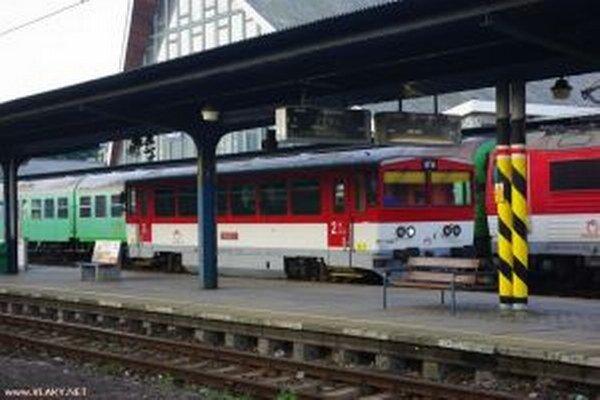 Starostovia budú pri tvorbe grafikonu vlakov v roku 2014 požadovať od ŽSR posilnenie osobnej vlakovej dopravy na trati Čadca – Skalité.