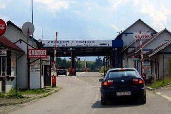 Na hraničných priechodoch do Poľska sa začali opäť vykonávať kontroly.