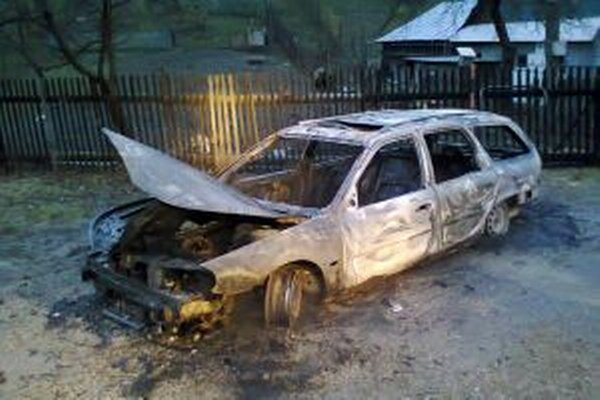 Vozidlo, ktoré dnes ráno zhorelo v Olešnej, malo českú ešpézetku.