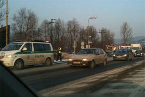 Pri kontrolách policajti zistili u viacerých vodičov požitie alkoholu.
