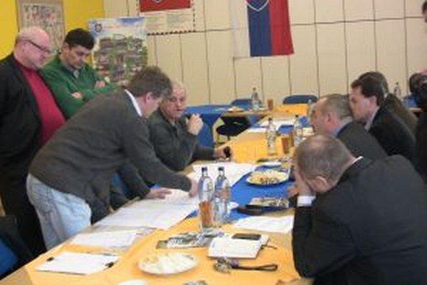 Výstavbou cyklotrasy sa zaoberali v minulých dňoch na svojom zasadnutí zástupcovia Mikroregiónu Horných Kysúc.