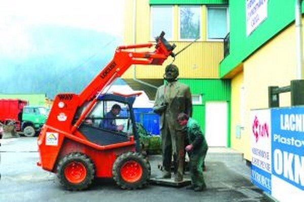 Putujúca socha napokon skončila v Čadci.
