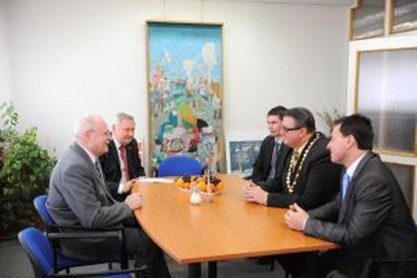 Predstavitelia turzovskej samosprávy hovorili s prezidentom aj o problematike vysporiadania železničných pozemkov.