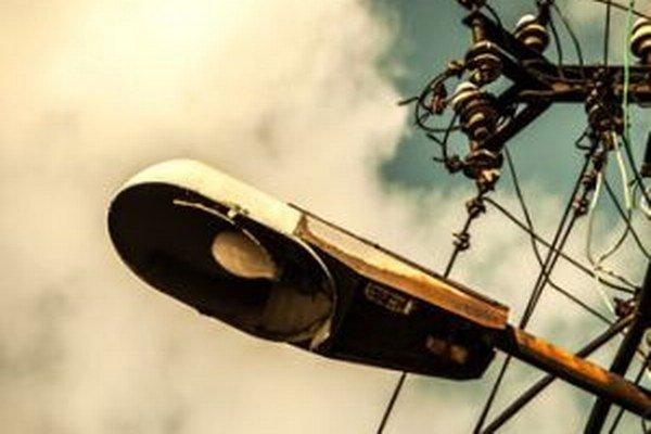 Čadca má celú sieť verejného osvetlenia v zlom stave.