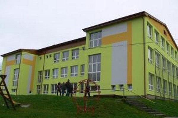 Práce na rekonštrukcii základnej školy by mali v tomto roku pokračovať.