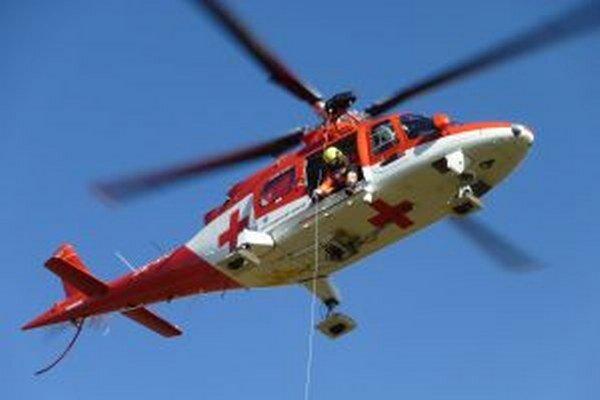 Do nemocnice v Bratislave previezli pacientov dva vrtuľníky.