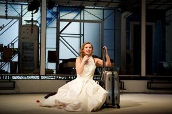 Konečná stanica túžba, Williamsova hra ocenená Pulitzerovou cenou, mala v SND premiéru 12. februára. Na snímke Diana Mórová v úlohe Blanche.