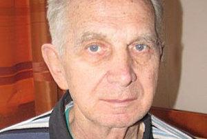 Ján Kubík odišiel včera z domova dôchodcov len v papučiach.