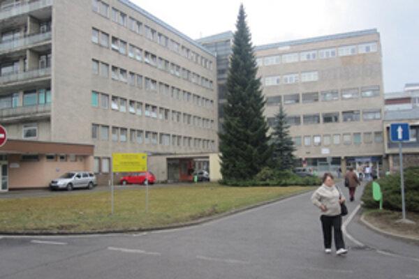 Kysucká nemocnica. Podarí sa nemocnici zachrániť dôležité onkologické oddelenie?