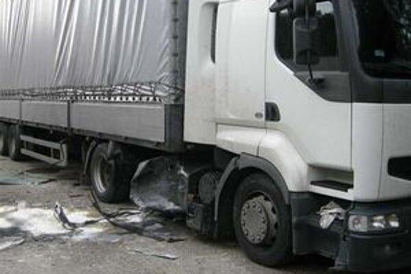 Pri nehode vznikla škoda za vyše dvetisíc eur.