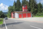 Požiarna zbrojnica bude zatiaľ slúžiť len dobrovoľným hasičom.