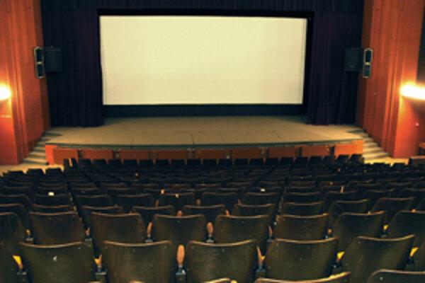Ak mestské a obecné kiná neprejdú na digitalizáciu, už o dva roky nebudú mať v nich čo premietať.