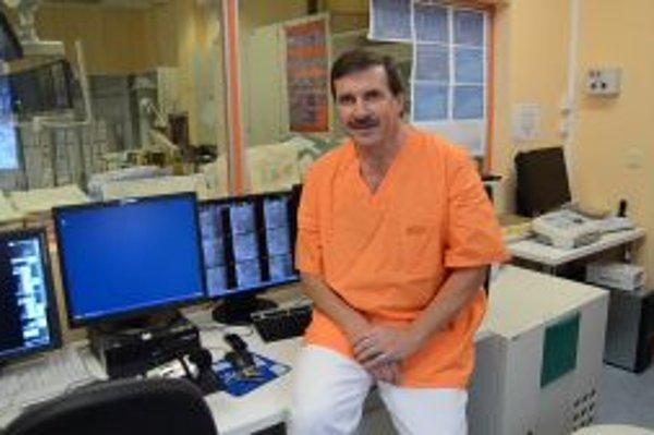 Kardiológ Stanislav Mizera hovorí, že na srdcovocievne ochorenia zomiera na Slovensku vyše 50 percent pacientov.