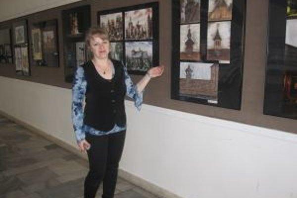 Súčasťou medzinárodnej výstavy sú aj diela výtvarníčky Domu kultúry v Čadci Gabriely Muchovej.