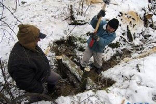 Práce na protipovodňových opatreniach museli počas zimy načas zastaviť.