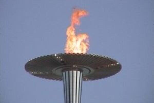 Oheň pre 30. olympiádu v Londýne zapálili v antickej Olympii 10. mája.