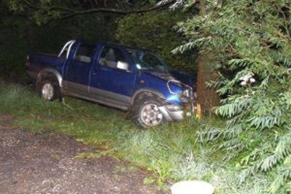 Pri nehode utrpel vodič ľahké zranenie.