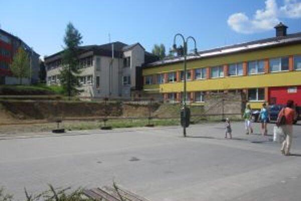 S budovaním Palárikovho námestia mesto zatiaľ nezačalo.