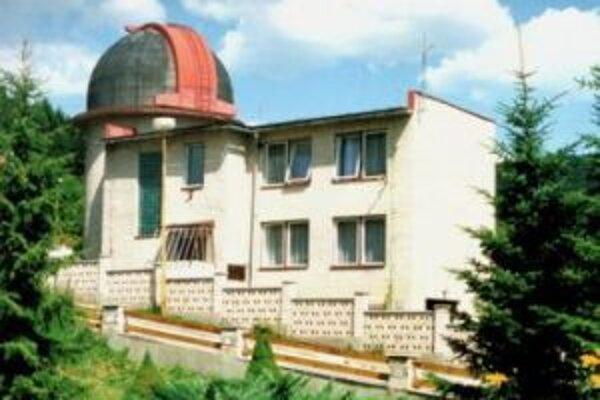 Činnosť Kysuckej hvezdárne je orientovaná predovšetkým na slnečnú fyziku, medziplanetárnu hmotu, pozičné merania a astronomickú fotografiu.