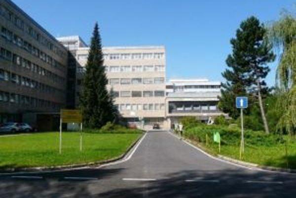 Kysucká nemocnica zatiaľ rušenie oddelení neplánuje. Všetko bude však závisieť od zmlúv s poisťovňami.
