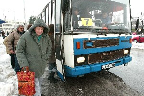 Robotníkov vozí za hranice Kysučan express.
