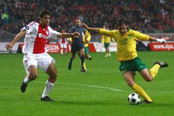 Vladavič patril k oporám Žiliny aj v zápase pohára UEFA v Amsterdame proti Ajaxu. So Salzburgom sa bude snažiť postúpiť do skupiny Ligy majstrov.
