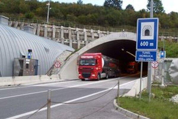 Tunel v Horelici je oddnes čiastočne uzávretý.