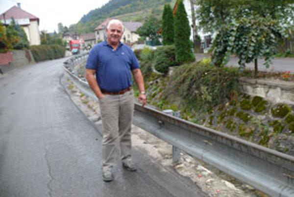"""Starosta obce Ján Pokrivka vraví, že záplavy im v minulosti narobili poriadne škody. Aj preto sa chcú """"poistiť""""."""