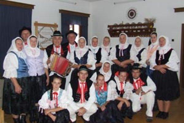 Folklórny súbor Staškovanka uvidíte počas Vianoc na STV2.