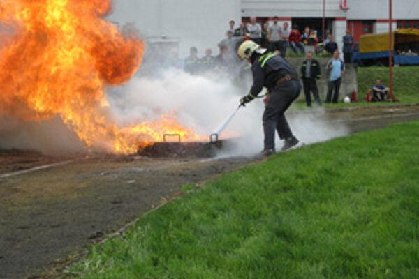 V súťaži ukázali profesionálni hasiči z Kysúc svoje majstrovstvo.