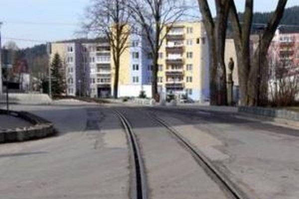 Železničné priecestie už akútne potrebovalo komplexnú rekonštrukciu.