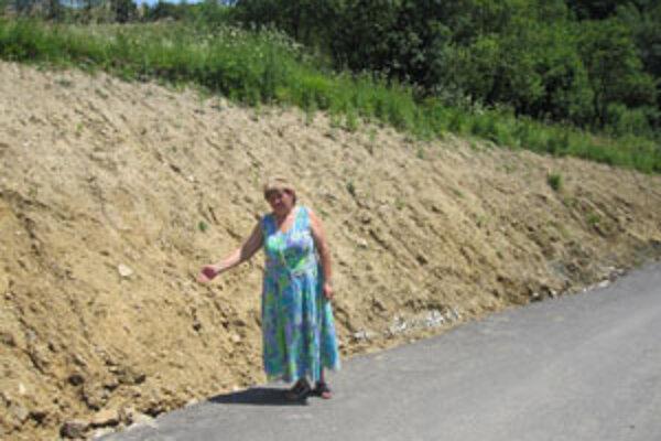 Starostka hovorí, že povodne zničili aj nové cesty, ktoré postavili vlani z eurofondov.