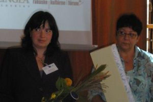 Ivana Zemiaková (vľavo) získala ocenenie Európsky učiteľ jazykov roka.