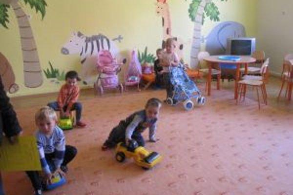 Elokovaná trieda. Mamičky už nemusia dochádzať do vzdialenej materskej školy.