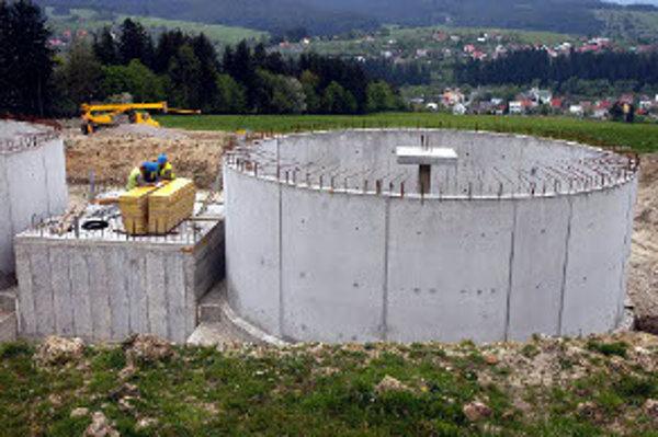 Sevak stavbu Dodávka pitnej vody a odkanalizovanie Horných Kysúc odovzdal do užívania v júni.