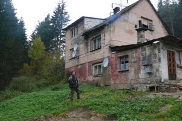 V dome v súčasnosti žije 48 obyvateľov.