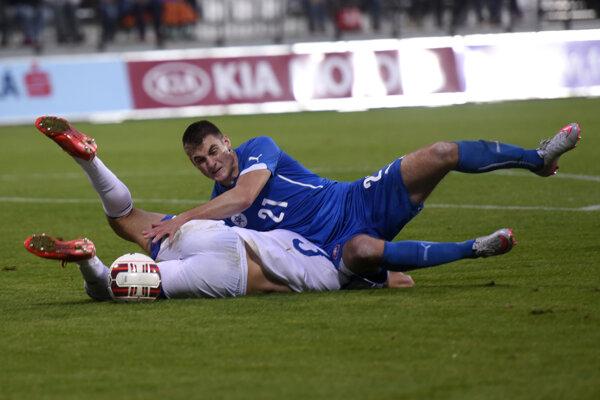 Matúš Bero (v modrom) opäť bojoval až na doraz.