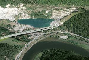 Dialnica mala pôvodne ísť ponad jazero v Kraľovanoch Rieke. V súčasnosti už neplatí ani variant s nadjazdom pod ním.