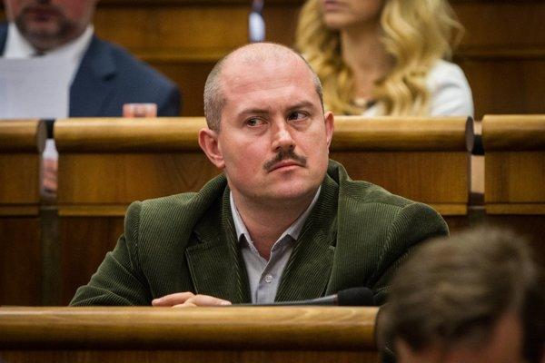 Kotlebva ĽSNS už ohlásila, že spúšťa petíciu za vystúpenie Slovenska z EÚ.