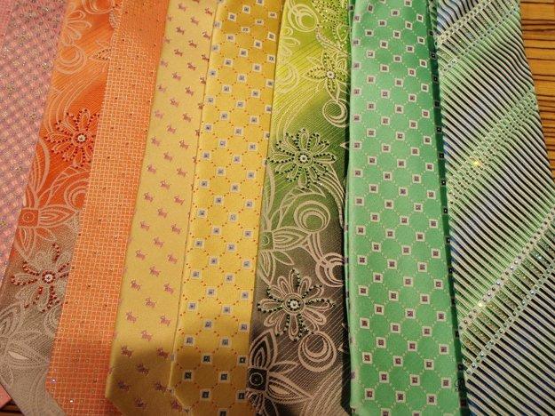 Kravata sa stala súčasťou pánskej elegantnej módy.