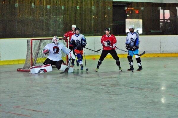 Začala hokejbalová sezóna.