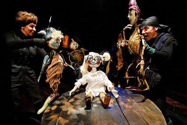 Ilustračná snímka z predstavenia Bábkového divadla.