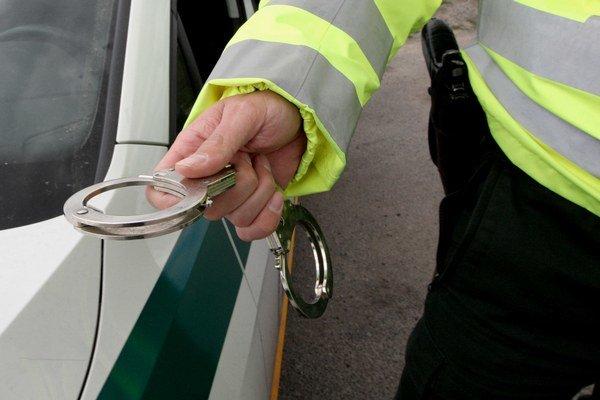 Páchateľ skončil v rukách polície.