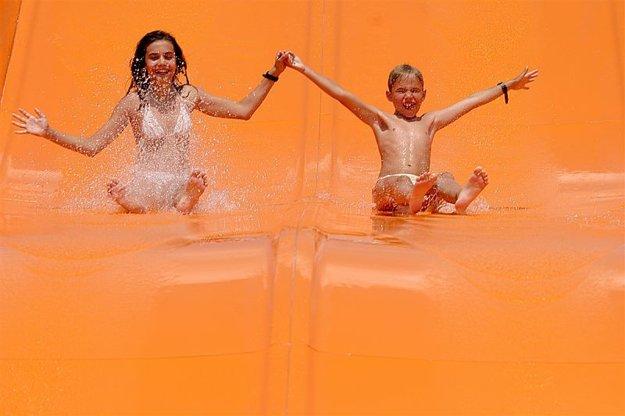 Obľúbenou zábavou v Aquathermal Senec sú tobogány.