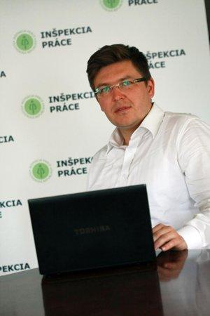 Inšpektorát práce upozorňuje na kampaň. Na snímke je Ing. Róbert Bulla, PhD., hlavný inšpektor práce.