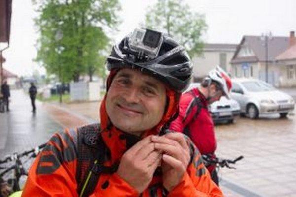 Autor víťazného filmu Vlastiveda s Bike Team Nová Baňa, Daniel Tužinský.